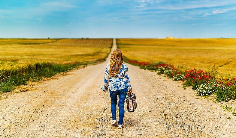 Envie de changer de vie ? A 30, 40 ou 50 ans, faites le point sur les pièges à éviter pour réussir votre changement de vie et nouveau départ.