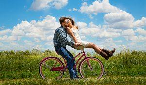 Trouver le grand amour : comment attirer l'amour de sa vie quand on est célibataire et se préparer à une vie de couple authentique et vraie.